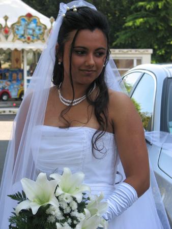 Robe de mari e orientale blanche for Boutiques de robes de mariage de miami